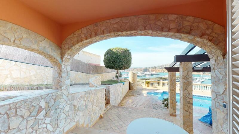 Villa in El Toro - Port Adriano - Bedroom terrace with sea views