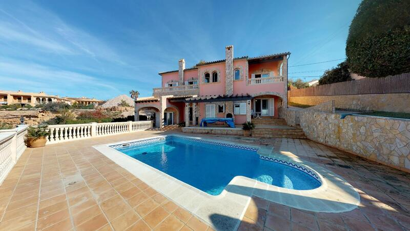 Villa in El Toro - Port Adriano - First line villa for sale in El toro