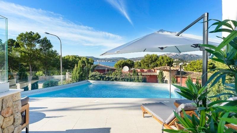 Villa in Santa Ponsa - Sunny pool terrace