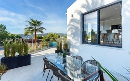 Villa in Santa Ponsa - Poolside, sea view dining