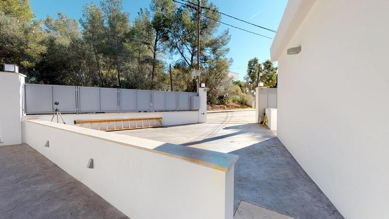 Villa in Portals Nous - Driveway